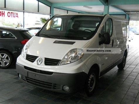 comfort in any climate renault traffic comfort l1 h1 navi climate 2008 box type