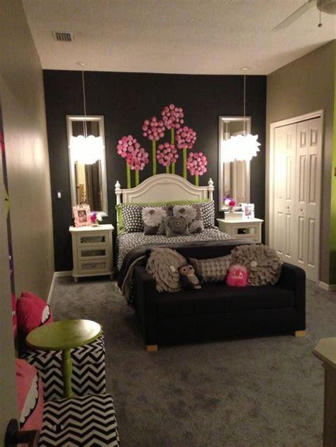 girls room age   room  grow grey tones