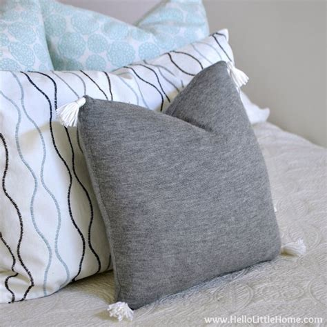 Sweater Pillow Covers by Diy Sweater Pillow Cover