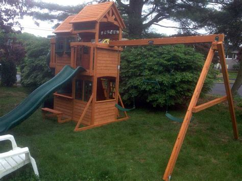 Backyard Playset Reviews by Backyard Discovery Vs Cedar Summit 28 Images Reviews