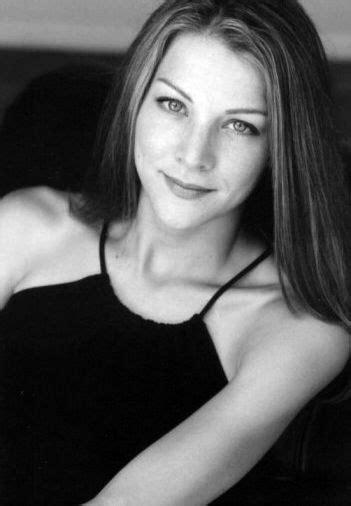 Who is Elizabeth Anne Allen dating? Elizabeth Anne Allen