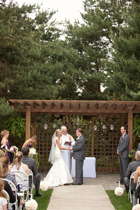 florian gardens wedding heidi and johnathon lace hanky