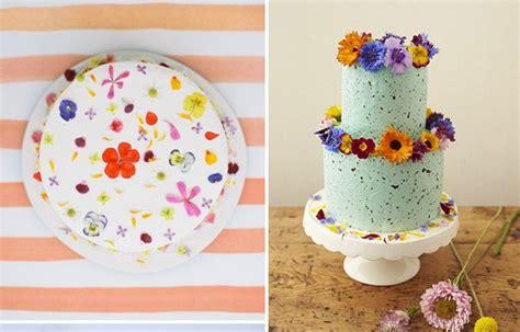 torte decorate con fiori torta nuziale con fiori freschi da mangiare letteraf