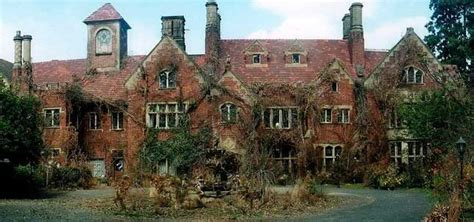 Site of Stephen King's Rose Red Mansion ? Thornewood Castle