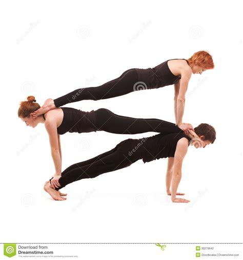 imagenes del grupo yoga yoga del grupo en un fondo blanco foto de archivo imagen
