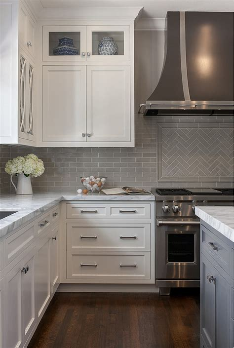 Kitchen with Grey Backsplash   Home Bunch Interior Design