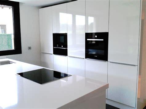 imagenes de cocinas minimalistas blancas cocina blanca elegante