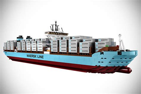Lego Exclusive Maersk Line E 10241 lego maersk line e mikeshouts