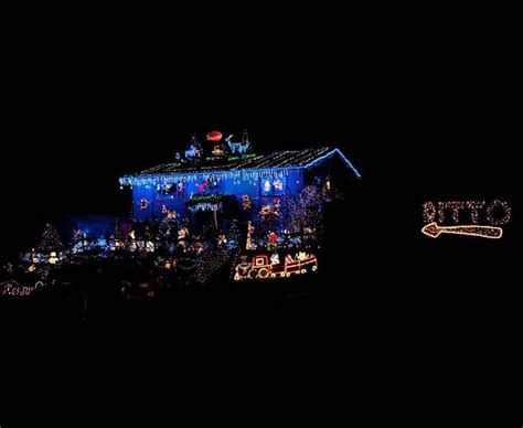 Neighbours Refuse To Compete With Christmas Lights Ditto Lights