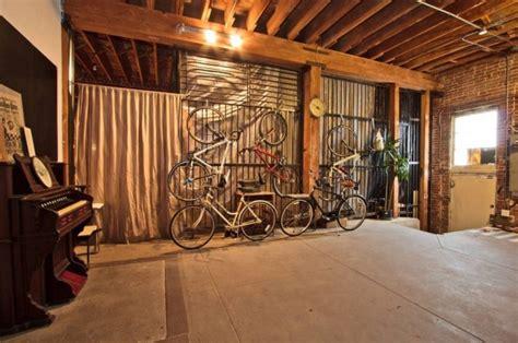 alhoa  travel trailer   sq ft warehouse