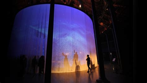 Ron Arad S Curtain Call