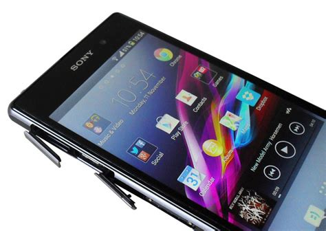 Port Usb Z1 getting it right on the second attempt sony xperia z1