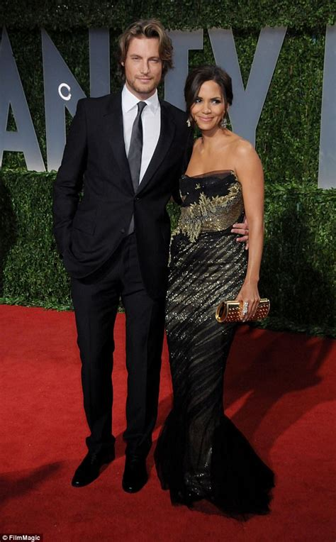 Halle Berry Has A New Dating Strategy by Charlize Theron Dating Halle Berry S Ex Gabriel Aubry