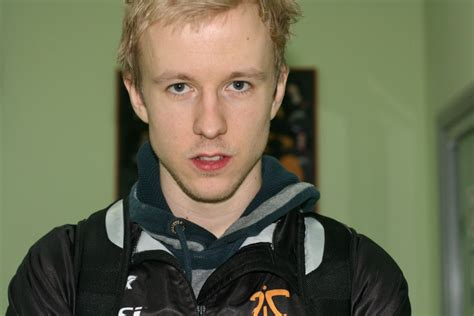 Fnatic Black Gaming Jersey 2012 counter strike carn to retire from fnatic sk gaming