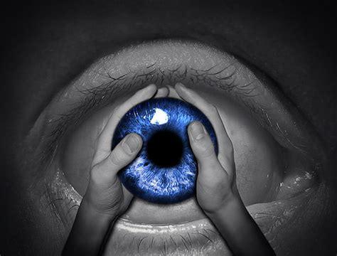 imagenes de ojos surrealistas surreal photo manipulation 40 amazing artwork hongkiat