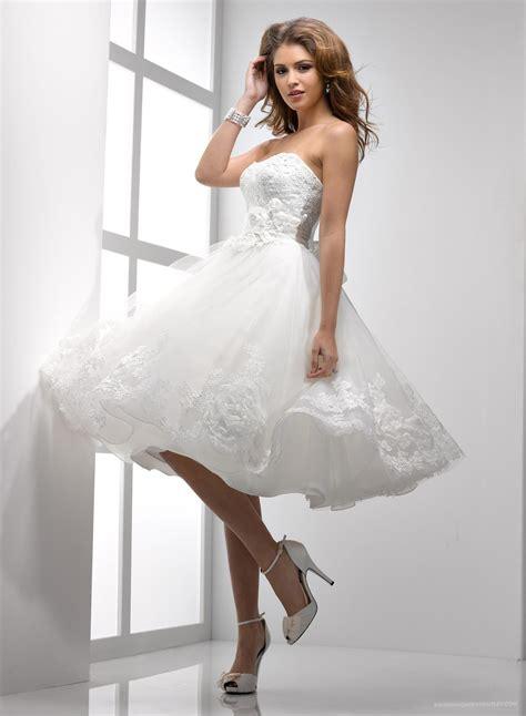 short spring wedding dress   Sang Maestro