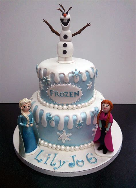 themed birthday cakes uk disney frozen themed cake with olaf anna and elsa 171 susie