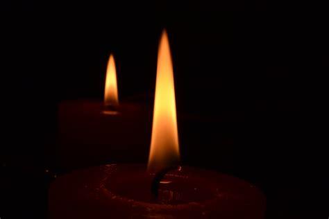 imagenes navideñas velas foto gratis vela llama velas fuego imagen gratis en