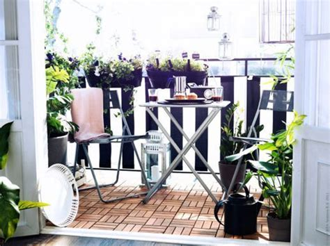 i love this deck furniture layout so cozy outside home ideas small outdoor furniture balcony with flower decoration