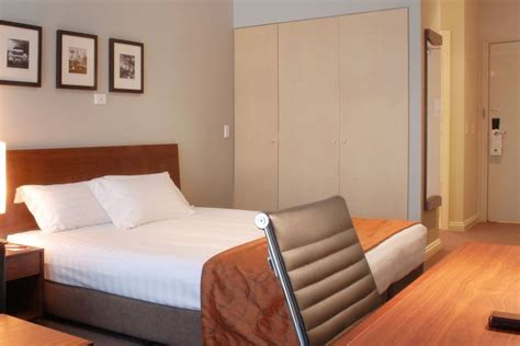 Bedroom Suite Melbourne 1 Bedroom Hotel At Clarion Suites Gateway 1 Bedroom One