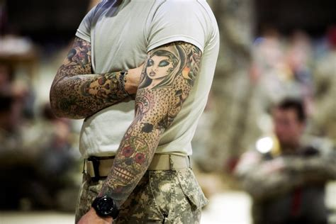 i24news sailors rush for tattoos as us navy bends rules