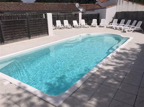 chambre piscine priv馥 gite pour 4 personnes 2 chambres patio priv 201 piscine