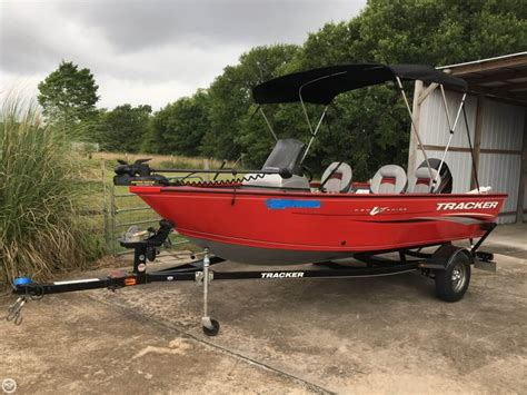 tracker boats texas 2015 tracker pro guide v16 sc alvin texas boats