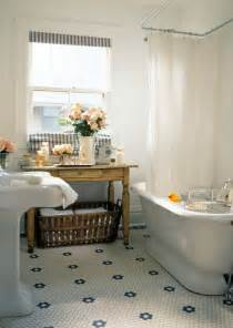 shorely chic vintage style bathroom