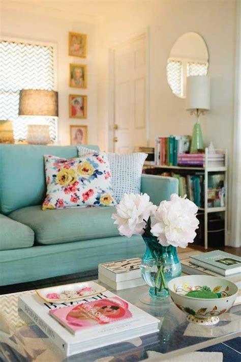 Quaint Decorating Ideas 17 Best Ideas About Pillow Arrangement On
