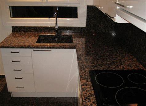 granite cuisine cuisine sol classique fonc en granit