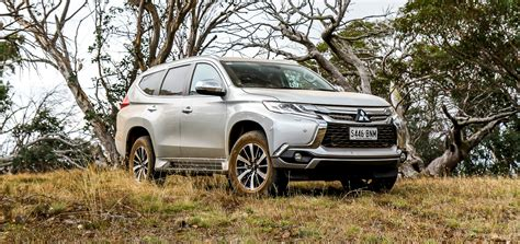 mitsubishi pajero sport 2017 2017 mitsubishi pajero sport exceed review a better