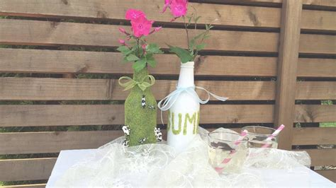 aus flaschen vasen machen blumen vasen selber machen upcycling aus altglas flaschen