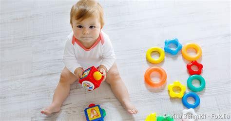 ab wann zähne baby in welchem alter babys sitzen lernen netdoktor