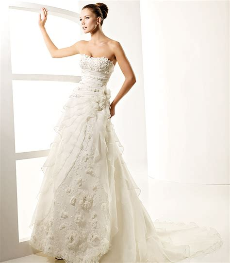 Wedding Designer Gowns by Dreaming Of A Designer Wedding Gown Armani Style