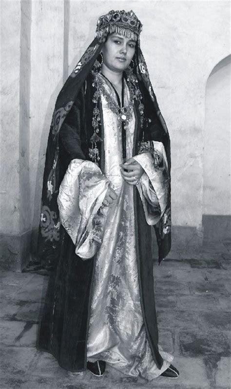 uzbek traditional costume in girl 17 best images about folk costume uzbekistan on pinterest
