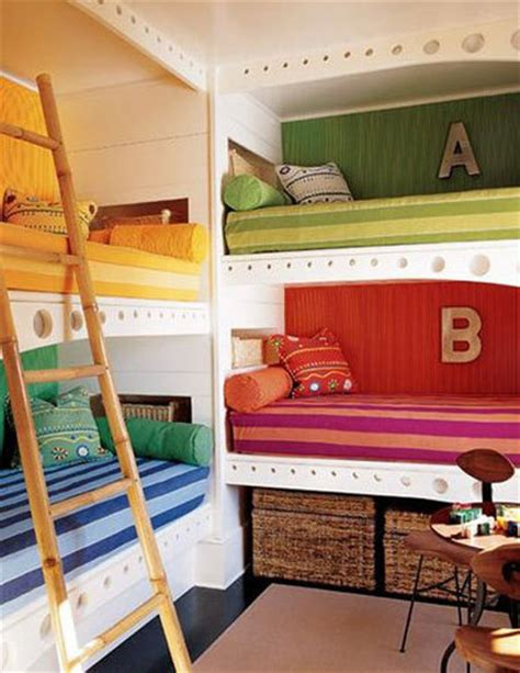 bunk beds for 4 try this built in bunk beds galore