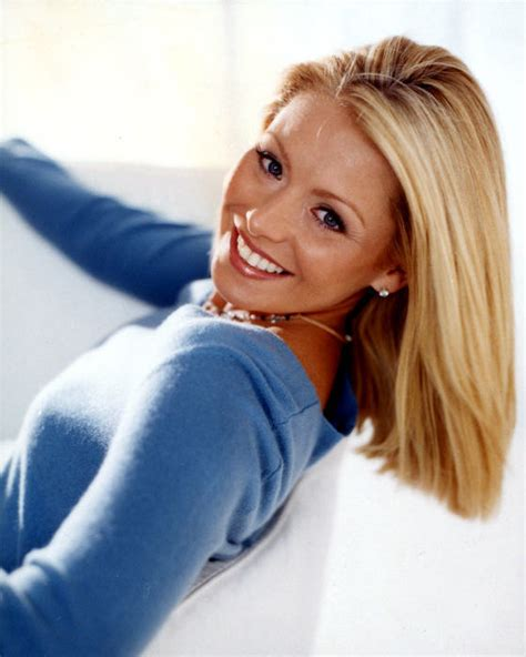 kelly ripa weight 2014 kelly ripa fitness height weight bust waist and hip