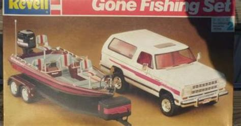 bass boat model kit revell model quot gone fishing set quot w dodge ramcharger truck