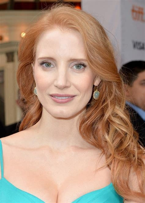 jessica chastain long hair style  soft waves pretty