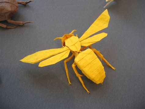 How To Make Paper Hornets - wasp satoshi kamiya happy folding