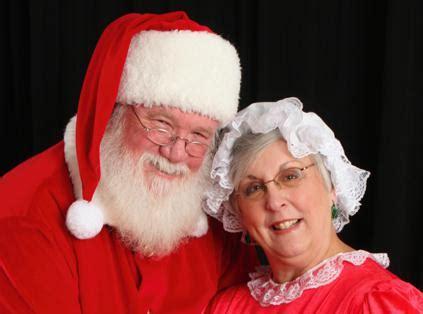 Santa Claus Family New Year Kaos Natal T Shirt blogs programming librarian