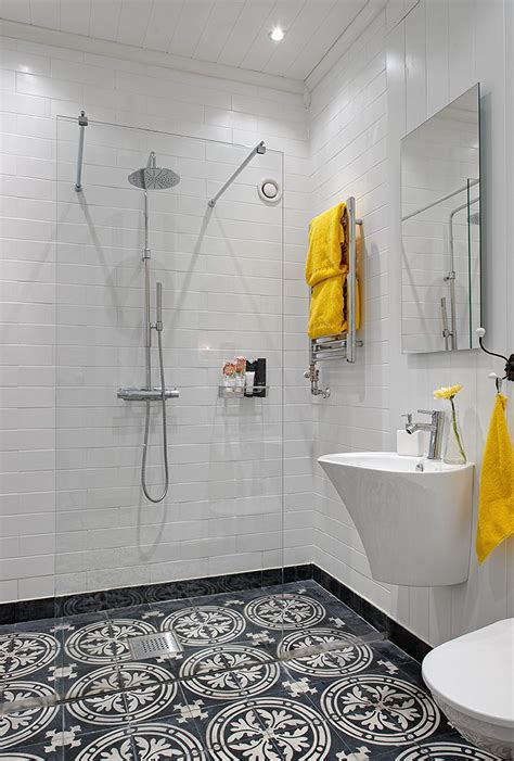 Ideas For Tiling Bathrooms by Le Carrelage D Une Italienne Bricobistro