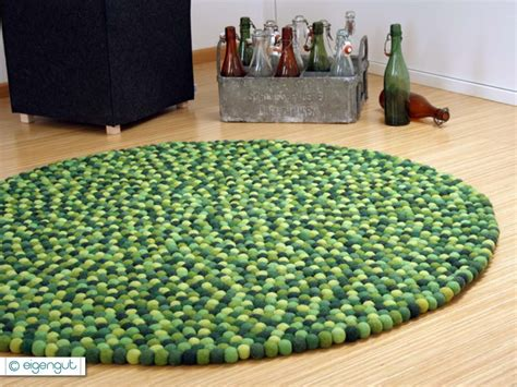 teppich aus filzkugeln teppiche filzteppich aus hunderten filzkugeln gr 220 nt 214 ne