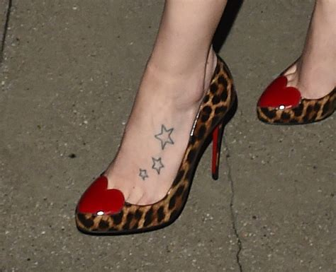 star tattoos on foot ridley has tattoos on left foot who2