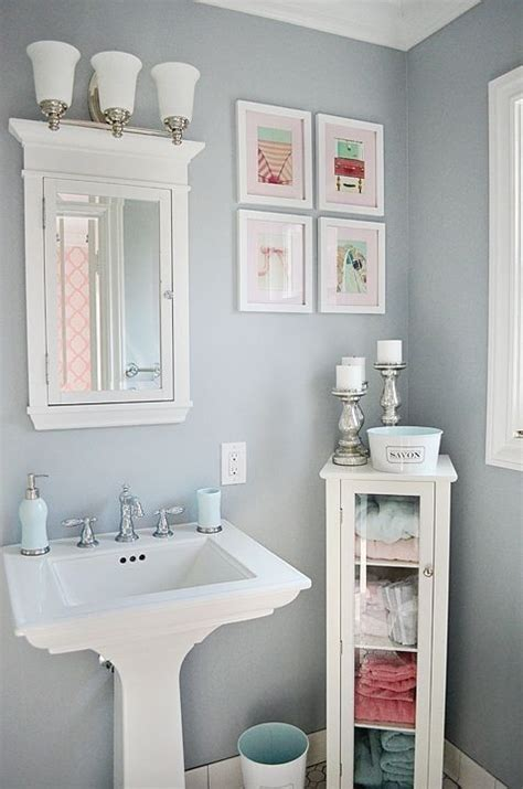 colored bathrooms 25 best ideas about powder room decor on pinterest half