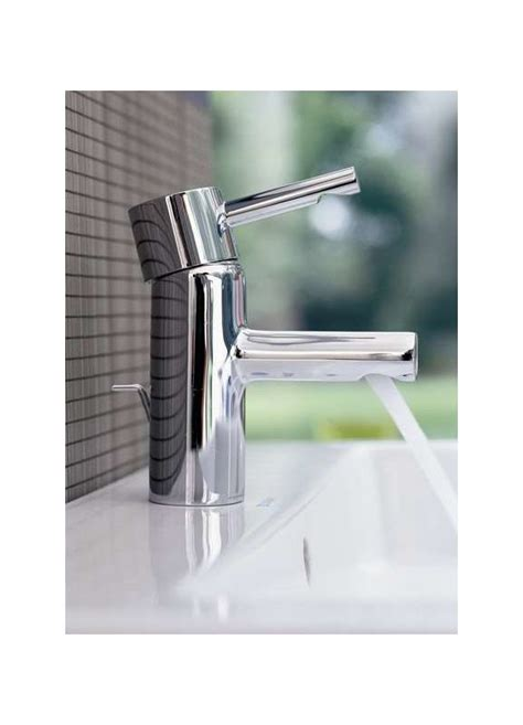 Kitchen Sink Faucet Hole Size faucet com 32216000 in starlight chrome by grohe