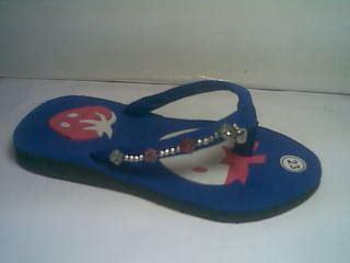 Sandal Jepit Spon Pompom Coklat sandal sepatu fashionable murah sandal jepit spon