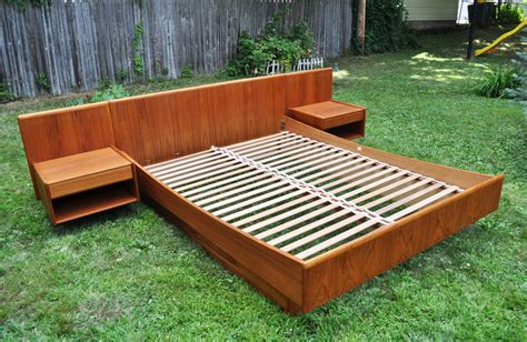 Diy Mcm Platform Bed Platform Bed With Attached Nightstands Search