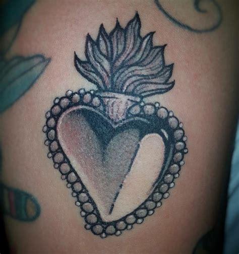 tattoo old school mani tatuaggio cuore significati e i disegni pi 249 belli da scegliere
