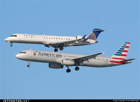 united airlines american airlines the 25 best ideas about skywest airlines on pinterest